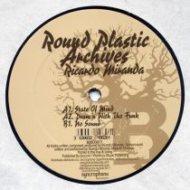 <a href=\'\'>Ricardo Miranda</a> - Round Plasic Archives