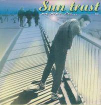 <a href=\'\'>Suntrust</a> - One More Step
